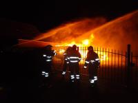 Caravans in vlammen op